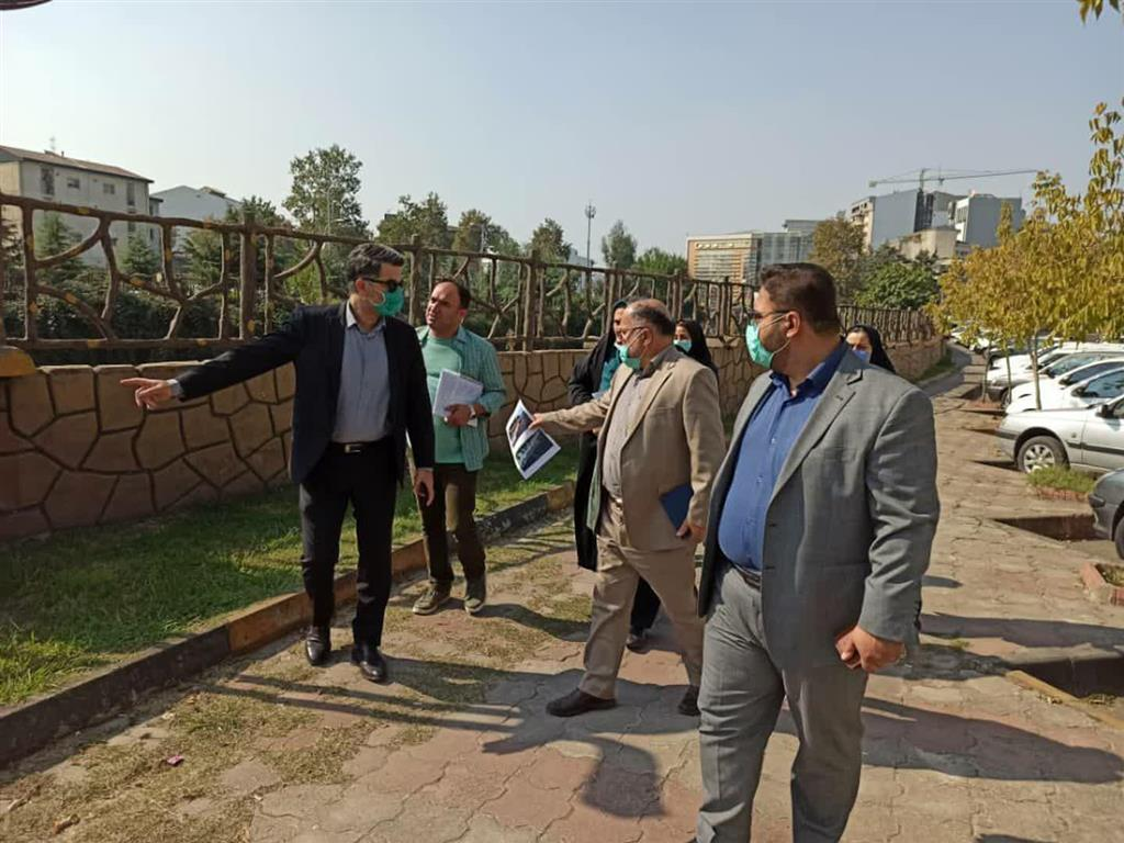 photo 2020 10 18 13 50 12 - بازدید جمعی از اعضای شورا و مدیران شهرداری رشت از روند نامگذاری و جانمایی خیابان خوراک در رشت