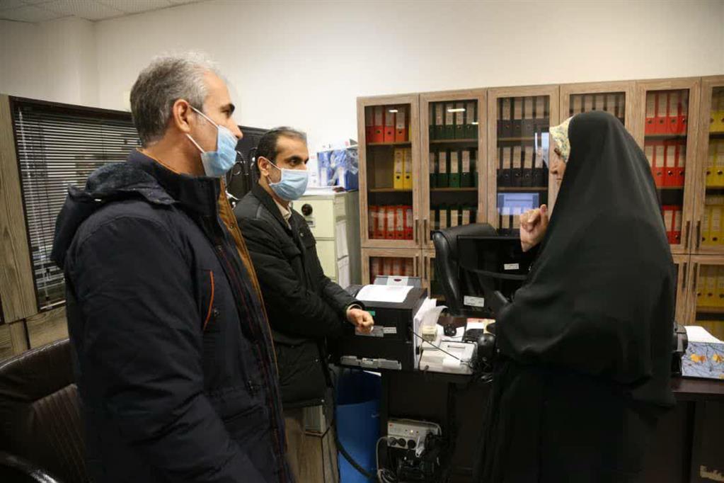 photo 2020 12 06 15 17 20 - بازدید سرزده شهردار رشت از منطقه چهار و تأکید بر تسریع انجام امور در پاسخگویی به شهروندان