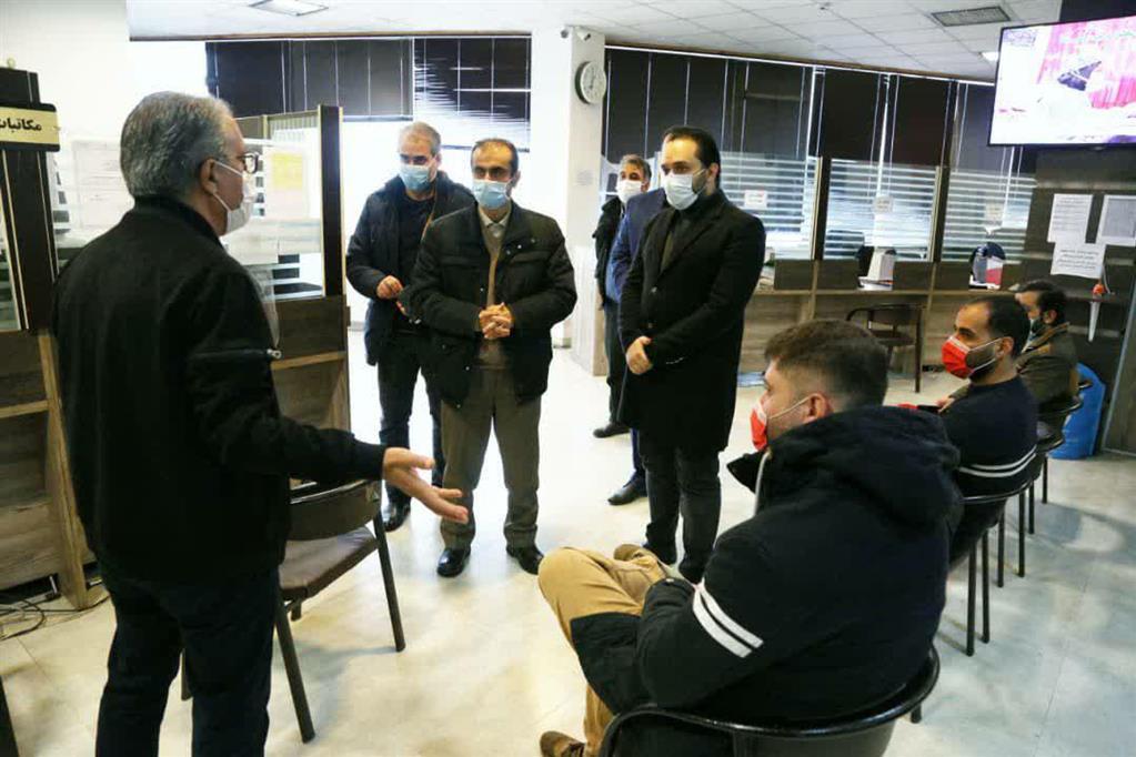 photo 2020 12 06 15 17 34 - بازدید سرزده شهردار رشت از منطقه چهار و تأکید بر تسریع انجام امور در پاسخگویی به شهروندان