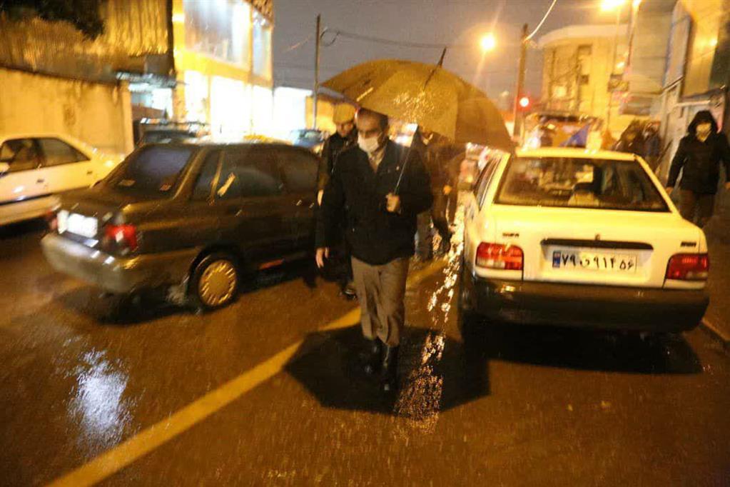 photo 2020 12 06 20 36 06 - در پی ادامه بارش باران، بازدید شبانه شهردار رشت از سطح شهر