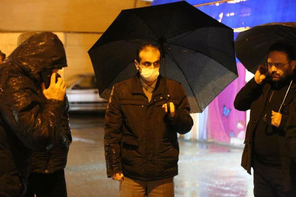 photo 2020 12 06 20 36 32 - در پی ادامه بارش باران، بازدید شبانه شهردار رشت از سطح شهر