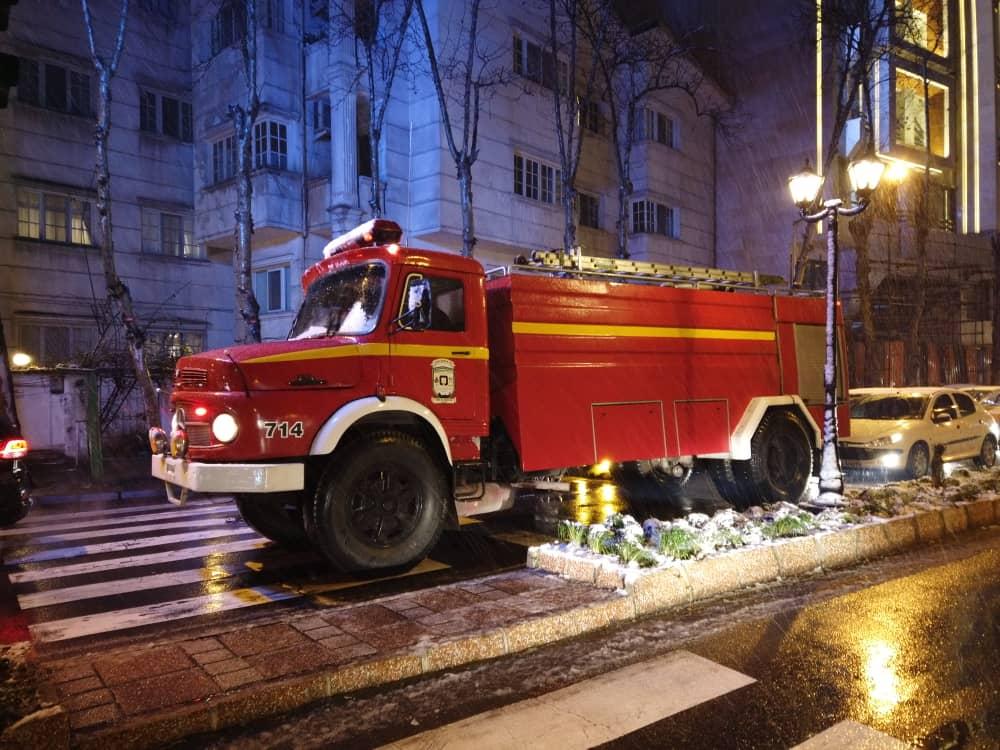 esteghrare mashinalat14 - استقرار ماشینآلات شهرداری رشت در نقاط مختلف شهر در دقایق اولیه بارش برف