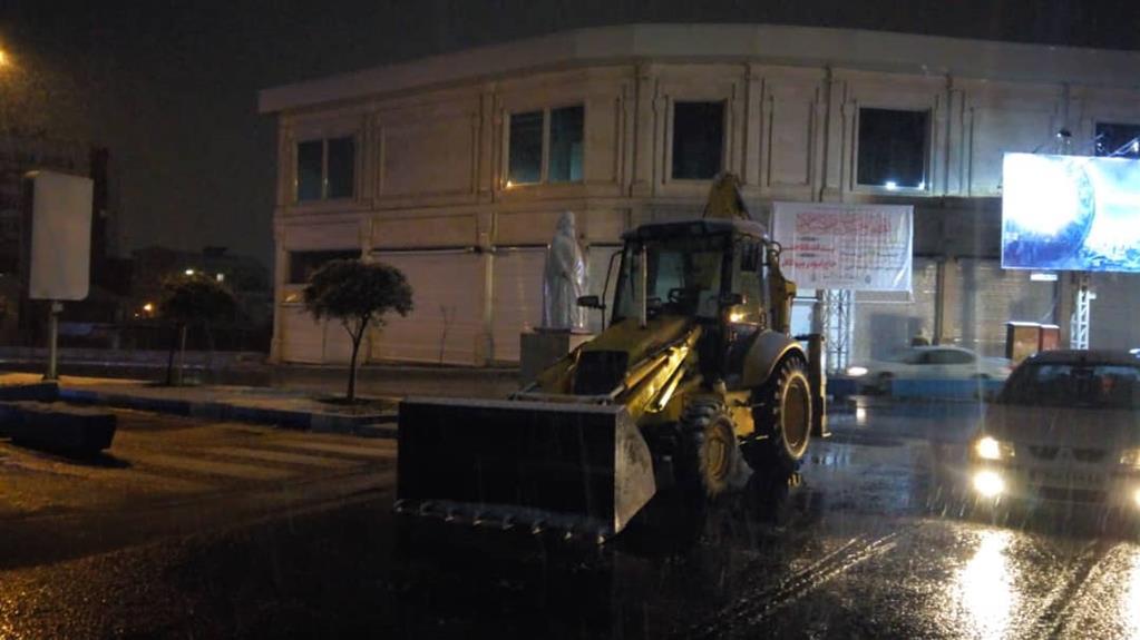 esteghrare mashinalat8 - استقرار ماشینآلات شهرداری رشت در نقاط مختلف شهر در دقایق اولیه بارش برف