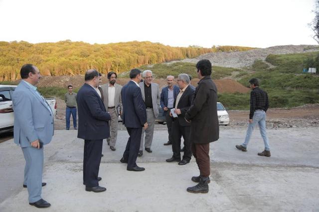 p1005 - شهردار رشت و معاون سیاسی - امنیتی استانداری و فرماندار رشت از دفنگاه زباله سراوان بازدید کردند