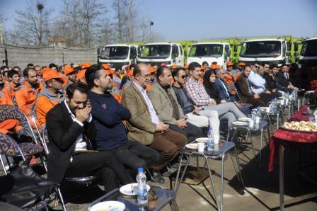 شهردار رشت در آیین تجلیل از پاکبانان: نیروهای حجمی تحت پوشش شرکتی زیرمجموعه شهرداری قرار می گیرند