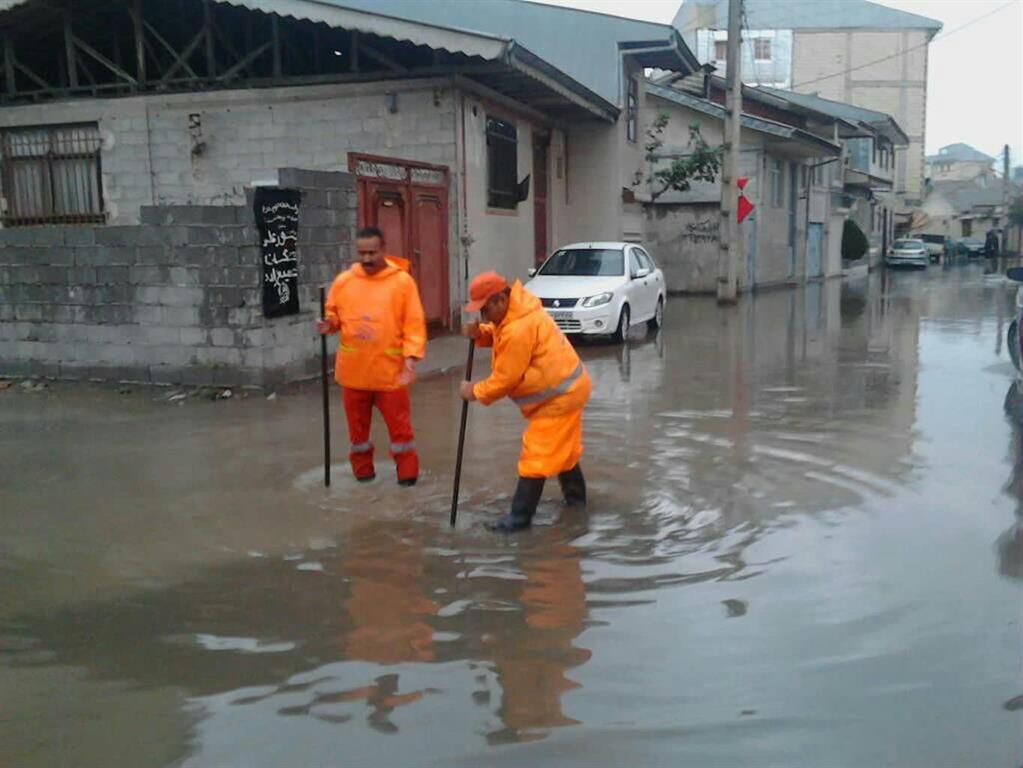 گزارش تصویری از عملیات ستاد بحران شهرداری رشت در سطح شهر (بخش دوم)