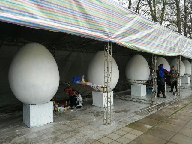 photo 2019 03 16 13 36 20 - آغاز فعالیت کارگاه رنگ آمیزی تخم مرغ های رنگی نوروز در پارک قدس رشت