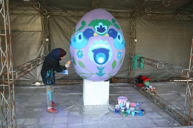 photo 2019 03 17 05 25 03 - آغاز فعالیت کارگاه رنگ آمیزی تخم مرغ های رنگی نوروز در پارک قدس رشت