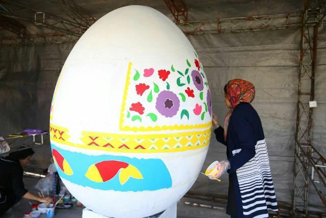 photo 2019 03 17 05 25 06 - آغاز فعالیت کارگاه رنگ آمیزی تخم مرغ های رنگی نوروز در پارک قدس رشت
