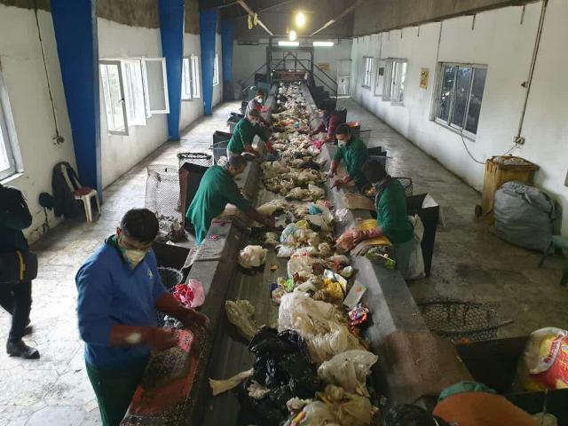 photo 2019 12 14 14 31 30 - تصفیه خانه زباله های سراوان تا دو ماه دیگر آغاز به کار می کند