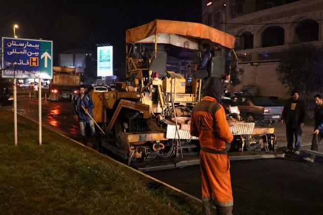 photo 2019 12 15 10 59 12 - گزارش تصویری ادامه روند عملیات آسفالت میدان جهاد