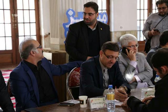 photo 2019 12 27 17 43 36 - گزارش تصویری برپایی میز خدمت شهرداری رشت با حضور شهردار رشت و مدیران مناطق پنجگانه شهرداری