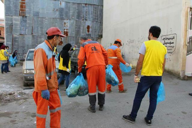 photo 2019 12 27 19 39 26 - با هدف فرهنگ سازی برای تفکیک زباله از مبدا؛ طرح پاکسازی محله حمیدیان رشت به اجرا در آمد