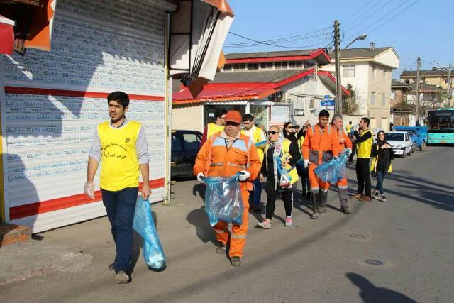 photo 2019 12 27 19 39 43 - با هدف فرهنگ سازی برای تفکیک زباله از مبدا؛ طرح پاکسازی محله حمیدیان رشت به اجرا در آمد