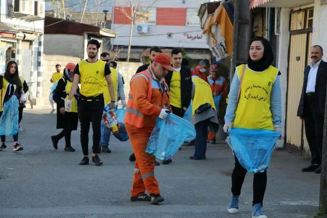 photo 2019 12 27 19 39 46 - با هدف فرهنگ سازی برای تفکیک زباله از مبدا؛ طرح پاکسازی محله حمیدیان رشت به اجرا در آمد