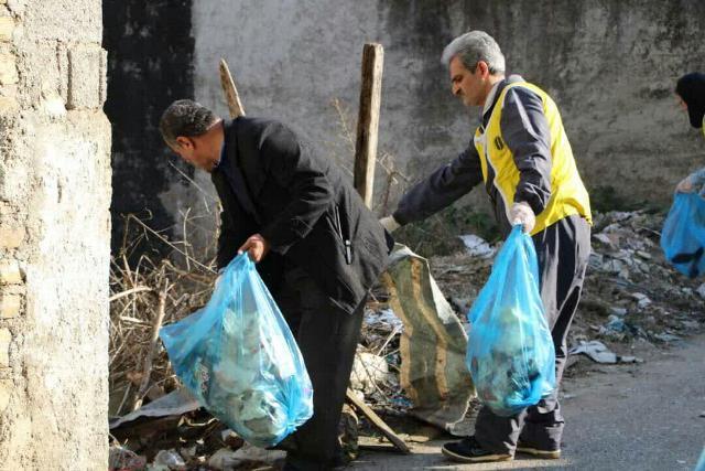 photo 2019 12 27 19 39 58 - با هدف فرهنگ سازی برای تفکیک زباله از مبدا؛ طرح پاکسازی محله حمیدیان رشت به اجرا در آمد