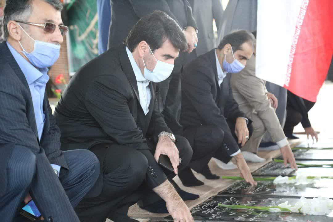 photo 2020 10 01 11 47 44 - گزارش تصویری تجدید میثاق شهردار منتخب رشت با آرمان های شهدا